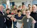Kriesdirektor-Brüggeli-und-Schüler-bei-Pierburg