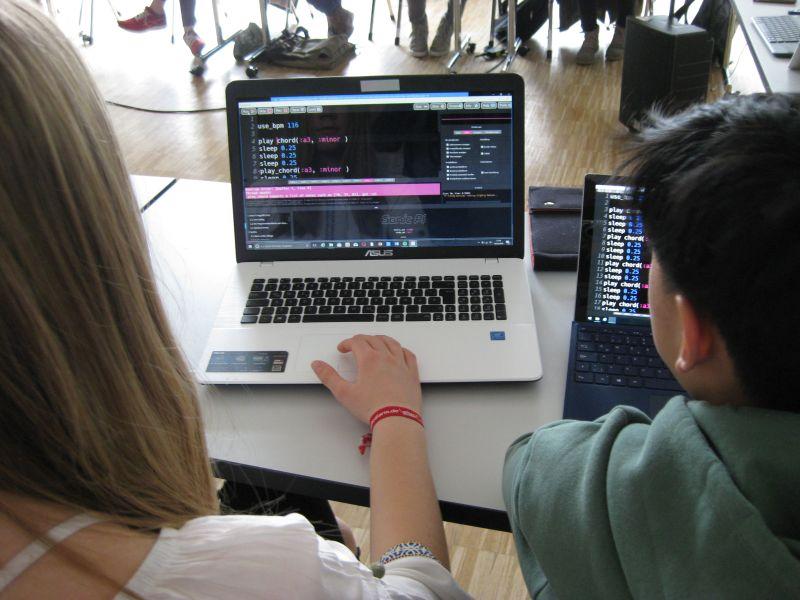 NRW-weiter Schülerwettbewerb zum Thema Digitalisierung startet